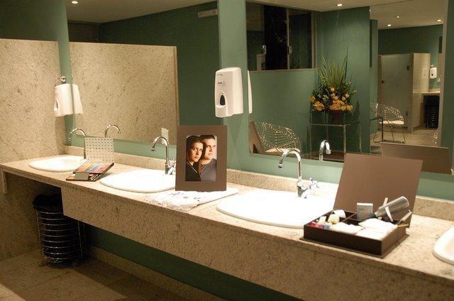 Decoração do banheiro do seu casamento  Mundo de Lolinha -> Decoracao Banheiro Facil