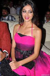 Parvathi Melton spotted in Pink Sleeveless Top Spicy Shoulders Lovely Beauty Parvathi Melton