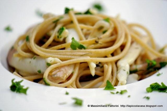 La Piccola Casa: La pasta integrale e la cucina di mare: spaghetti ...