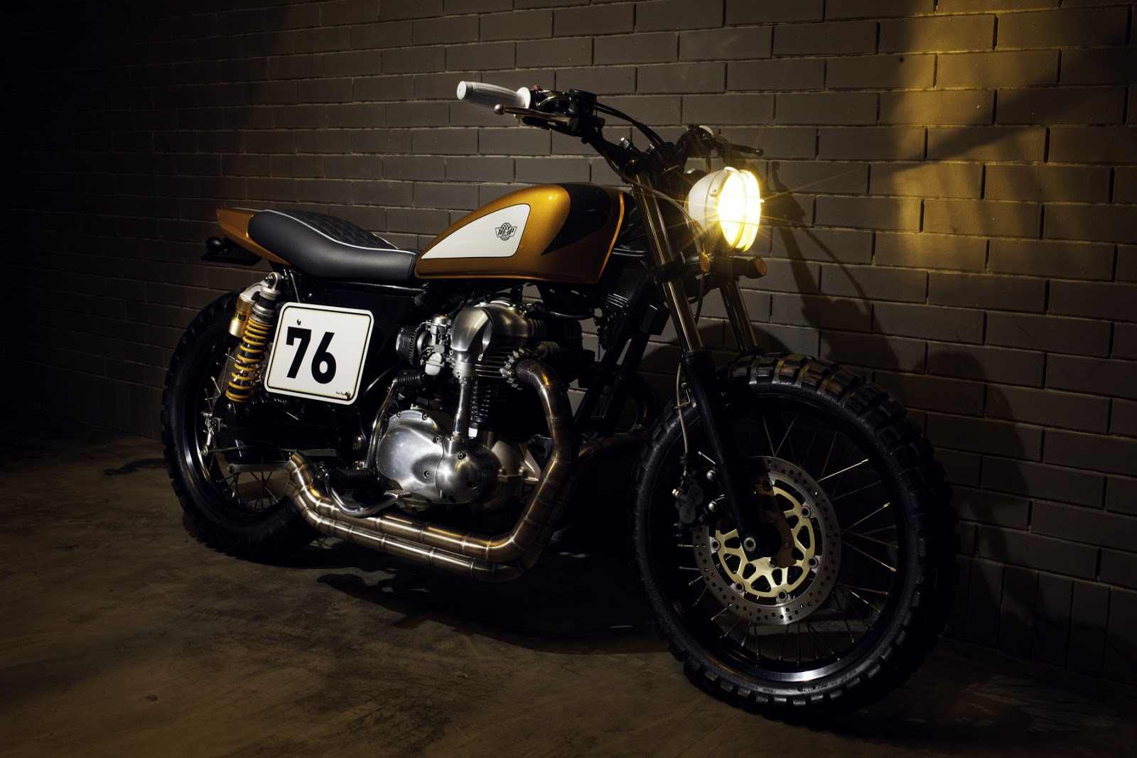 kawasaki w650 gold digger return of the cafe racers. Black Bedroom Furniture Sets. Home Design Ideas
