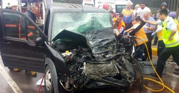Yağmurla kayganlaşan yolda feci kaza