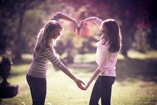 Seus amigos de verdade amam você de qualquer jeito.