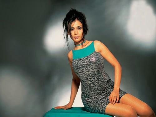 Anupama Verma Hot Pics In Mini Skirt Latest hot Photoshoot Pics HD photoshoot