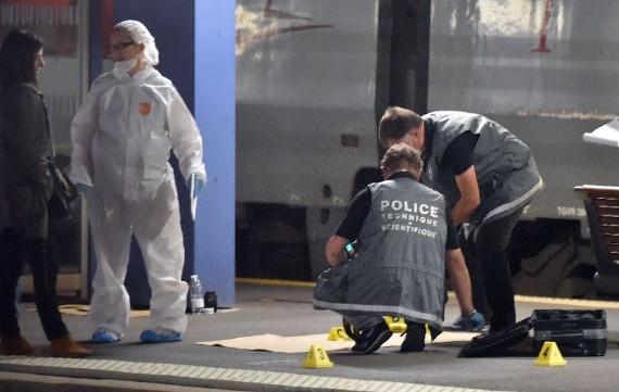 Ator é ferido em ataque terrorista contra um comboio francês