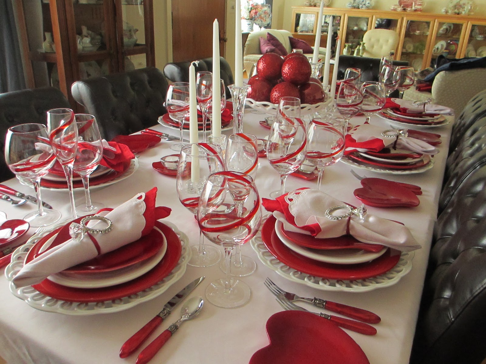 Over view of the table & The Welcomed Guest: Valentineu0027s Day Tablescape