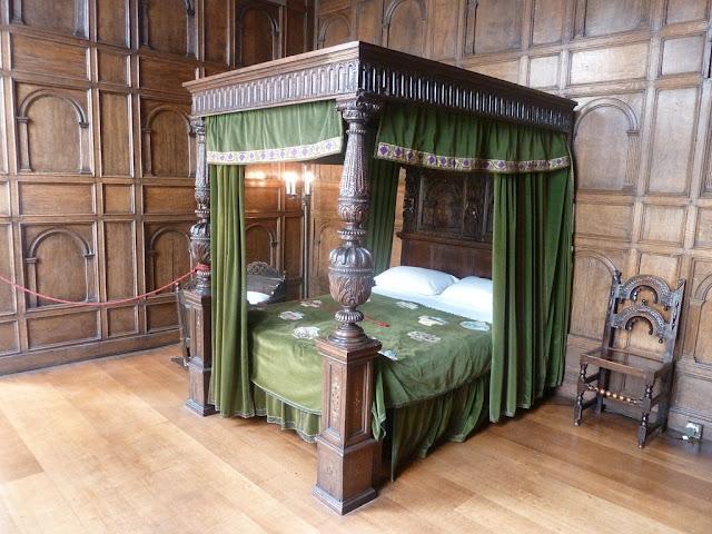 Elizabethan poter bed
