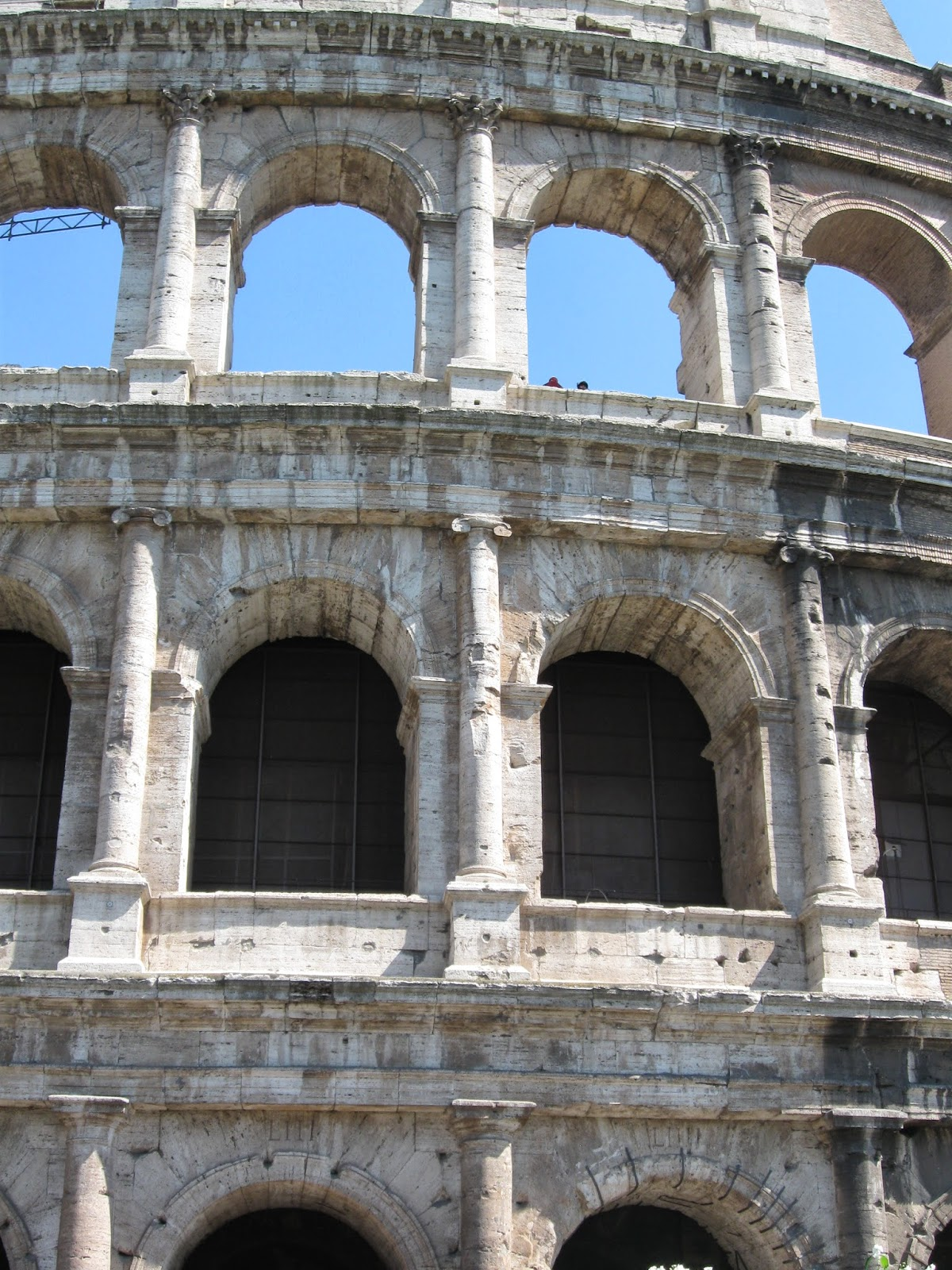 roman architecture essays Ancient roman architecture research papers cover the style of buildings in ancient rome, which may include temples, stadiums, baths and ordinary living quarters.