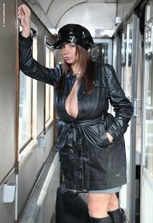 Hot ladies - rs-witra05-724114.jpg
