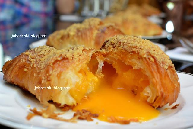 Salted-Egg-Yolk-Croissant-Obsession-Seven-Oaks-Cafe-Johor-Bahru-JB