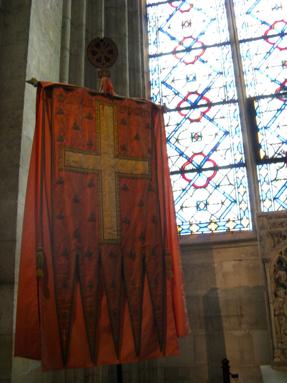 Connu Via viatores quaerit: St Denis IS28