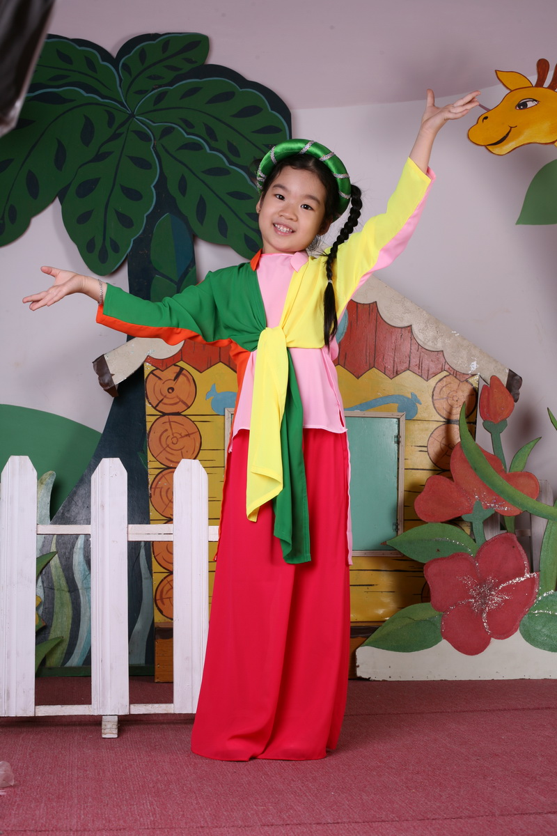 "the history and importance of ao dai a traditional vietnamese attire Ao dai vietnam and its history by the traditional dress for vietnamese women it is called ""ao dai attire that suits vietnamese women of all."