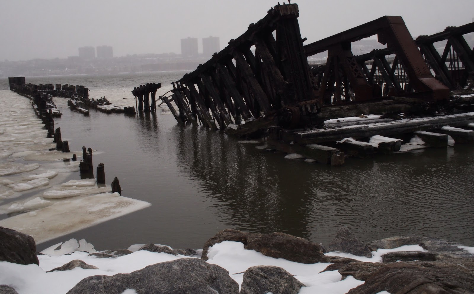 Hudson River Ice Floes :: Polar Vortex Redux #NYC #hudsonriver 2013