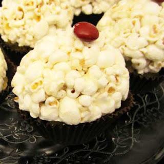 cupcake de pipoca e chocolate