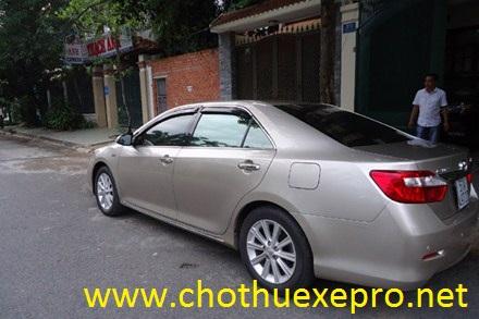 Cho thuê xe 4 chỗ Camry 2.5 Q tại Hà Nội chuyên nghiệp