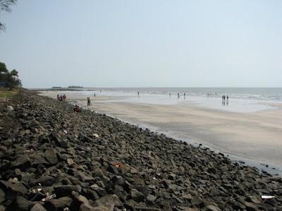 Varsoli Beach - Yacht Rental in Mumbai
