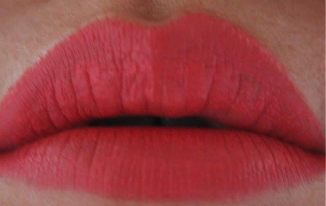 Hourglass Opaque Rouge Liquid Lipstick in Muse
