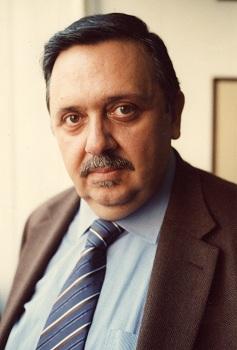 """Ο ΔΙΟΝΥΣΗΣ Ν. ΜΟΥΣΜΟΥΤΗΣ, Διευθυντής του Περιοδικού """"Ιστορία"""", είναι μαζί μας"""