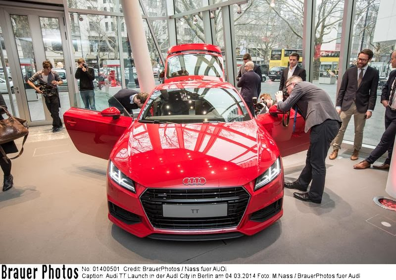 new audi TT coupe 2014, unveiling, august 2014, berlin, kufurstendamm, audi city