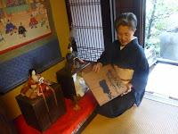 人形を納める木箱のふた裏に1858(安政5)年と墨書されている。