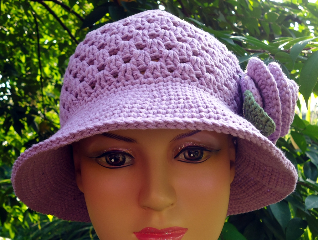 made this hat with the same cotton yarn of the rose brooch I made a ...