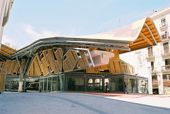 Artchist mercado santa caterina en barcelona enric for Architettura contemporanea barcellona