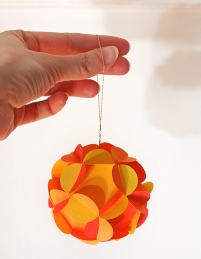 How To Make 3d Christmas Decorations From Paper : How to make d paper ball ornaments about orange