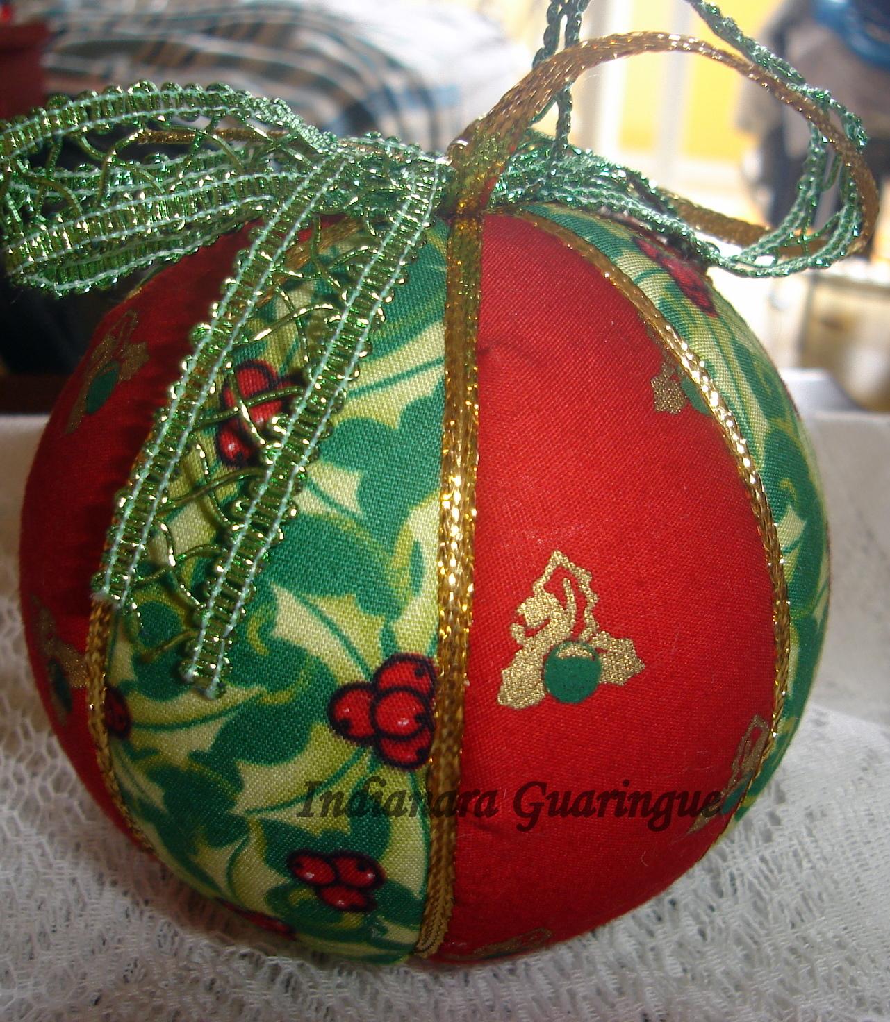 Bolas natalinas em patchwork times