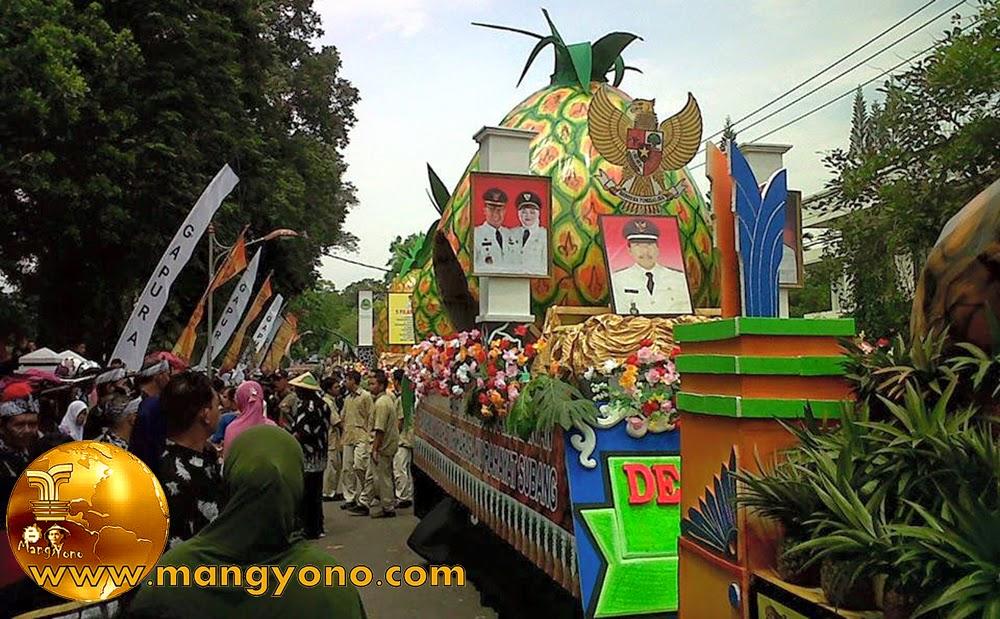FOTO : Pawai alegoris dalam rangka hari jadi ke-67 Kabupaten Subang