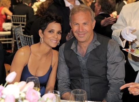 Halle berry dating model