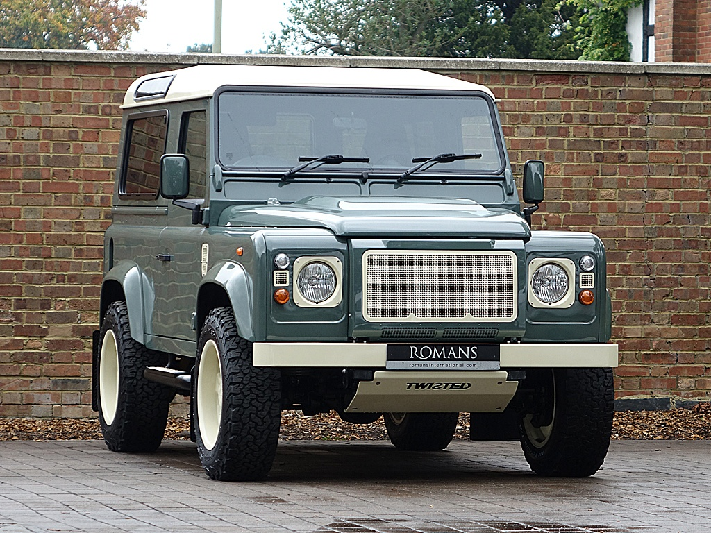 2015 Land Rover Defender Twisted 90 Retro Edition T60