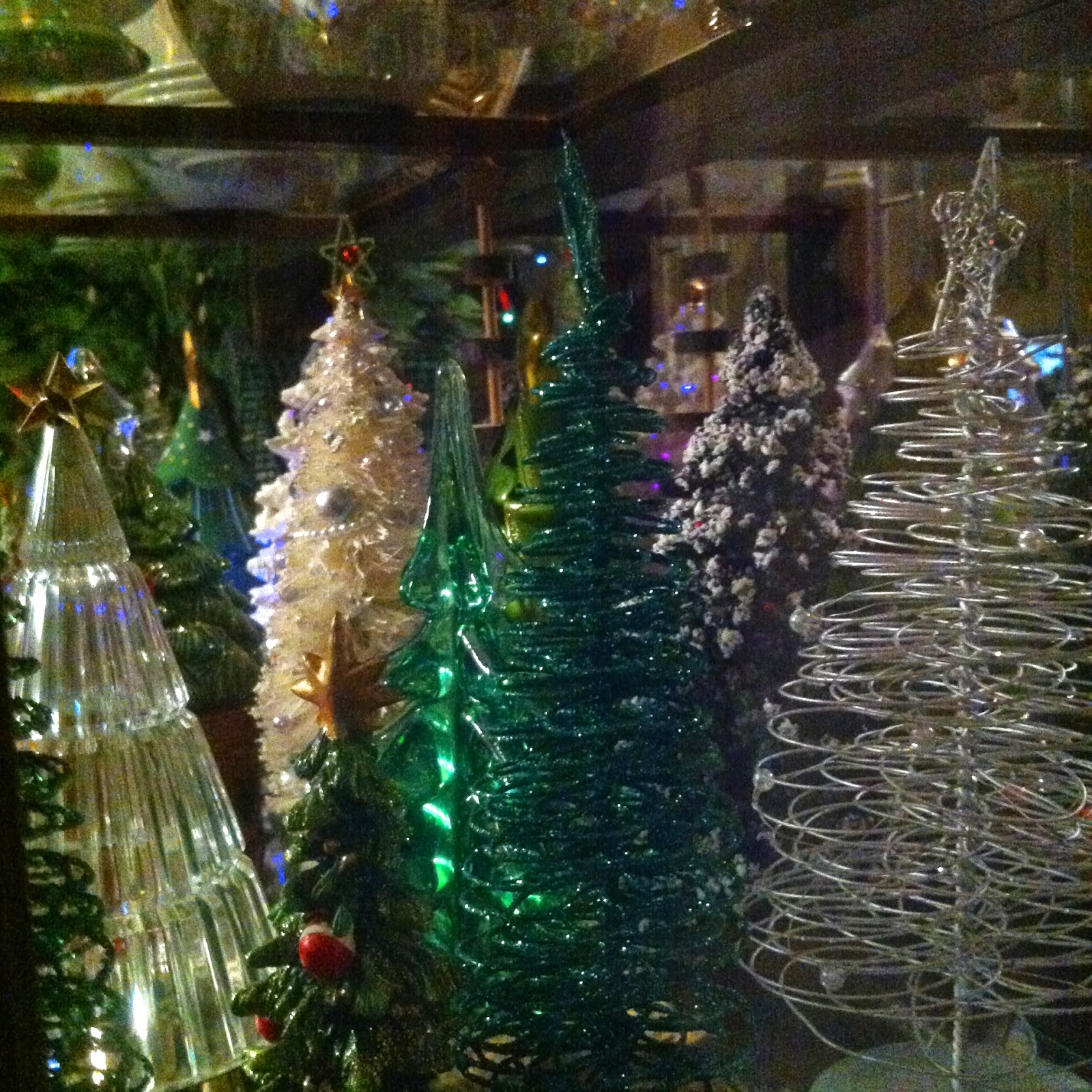 Mini Christmas Tree Craft!