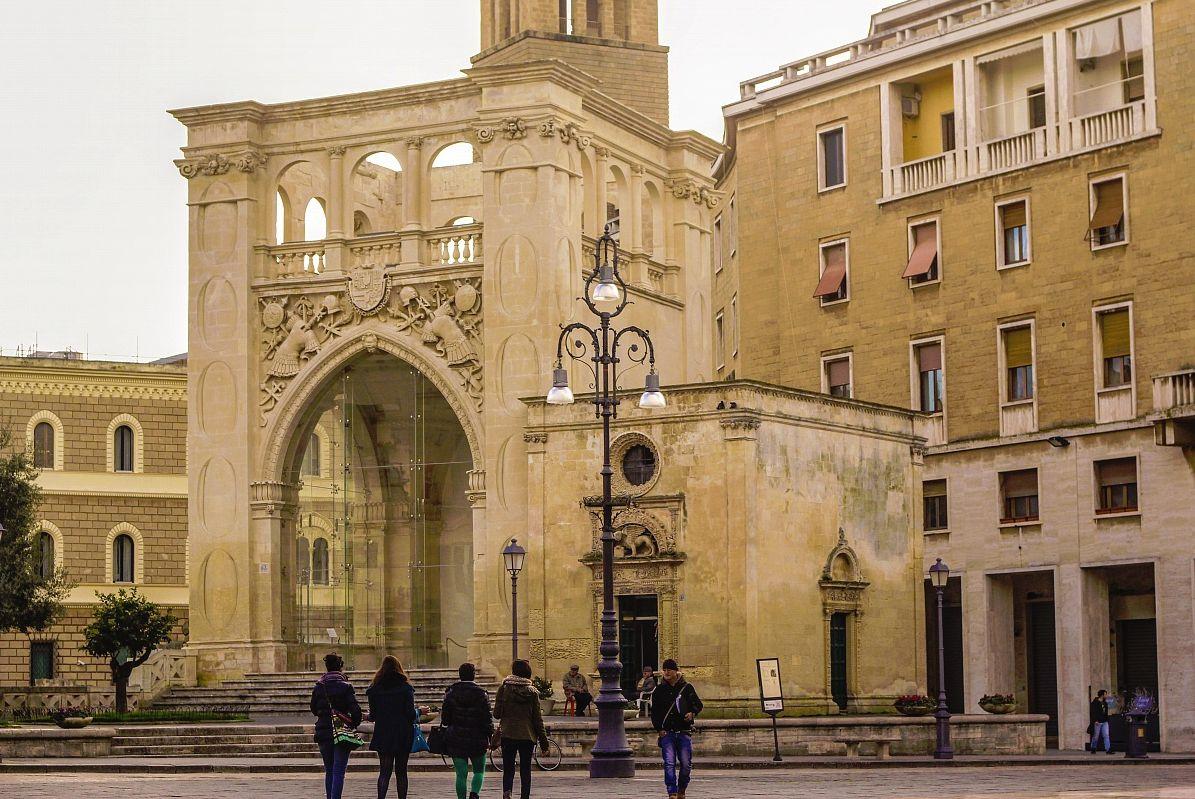 Bisanzio piazza sant 39 oronzo gi piazza dei mercanti lecce - Architetto lecce ...