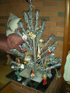 Vintage Figures Tree