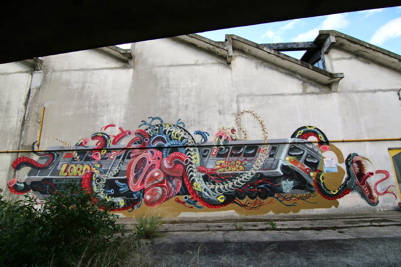 After the successful opening of his solo exhibition at OpenSpace Gallery, Nychos had enough free time to work on a new mural somewhere in Paris, France.
