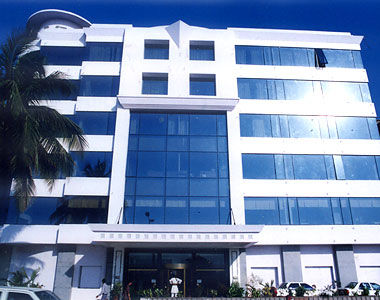 Hotel Marine Plaza Mumbai This Is A Famous Five Star In Located The Business District Of South At Drive