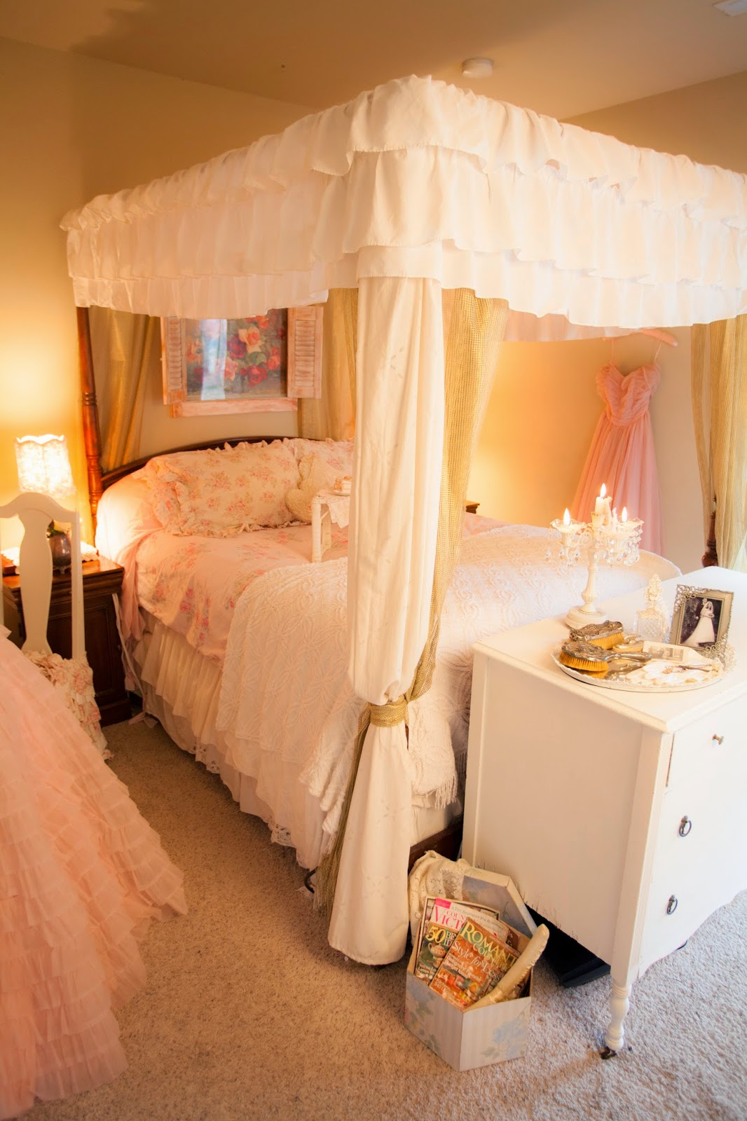 Bedroom Poster Bed