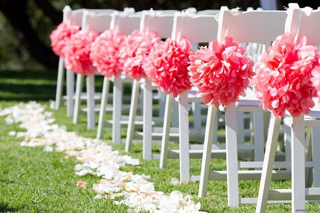 Pompones de papel para decorar las sillas