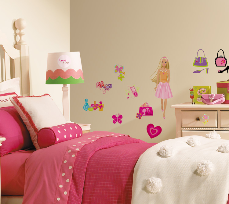 Youngspaces all your favorite cartoon characters in for Barbie wall mural