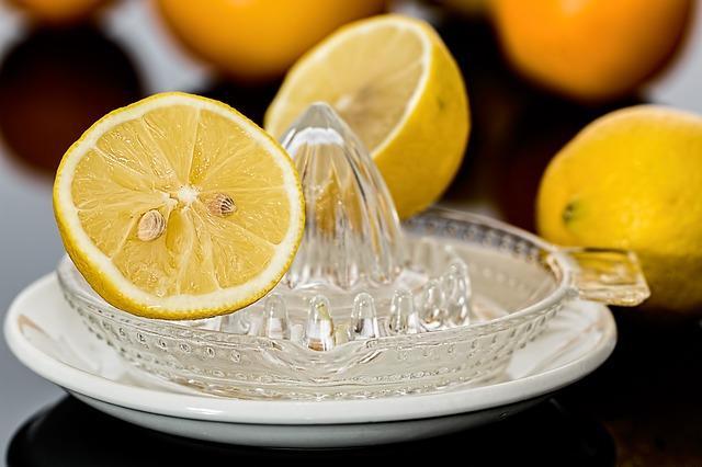Menghilangkan Jerawat Dengan Lemon