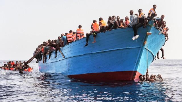 Migrantes o refugiados ?