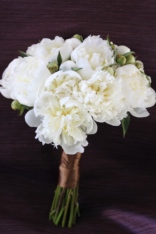 So when I saw this gorgeous wedding bouquets from Fluerology I was excited