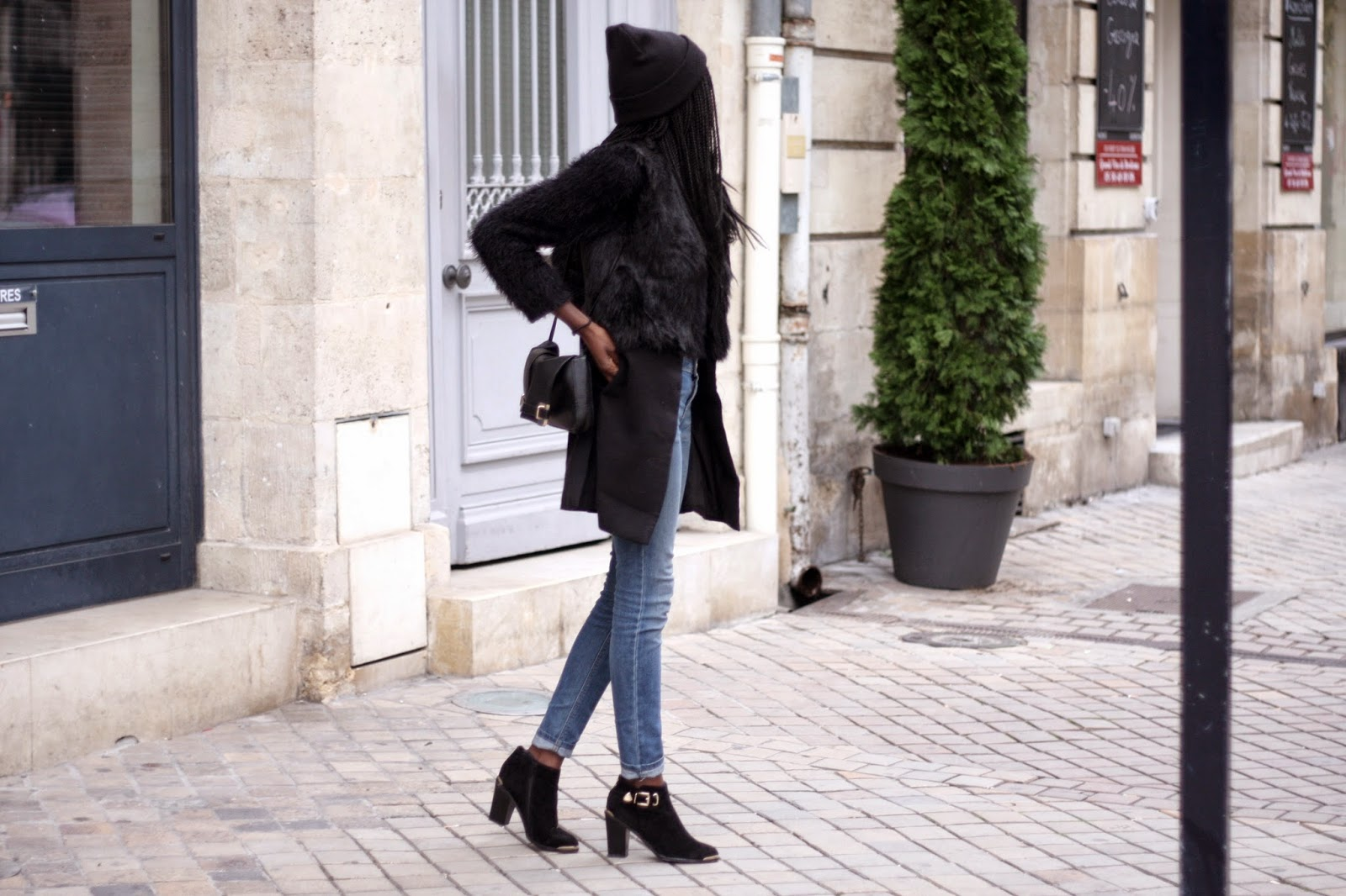 blog mode bordeaux, bottines boohoo, bonnet asos, allées tourny, quinconces, lookbook, blogueuse mode, olivia, thedailywomen, blogueuse bordelaise, jean zara, pochette asos, sac