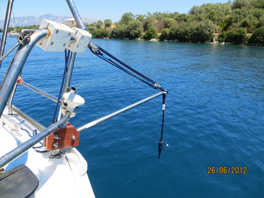 Easy Lift Outboard Lifting Davit
