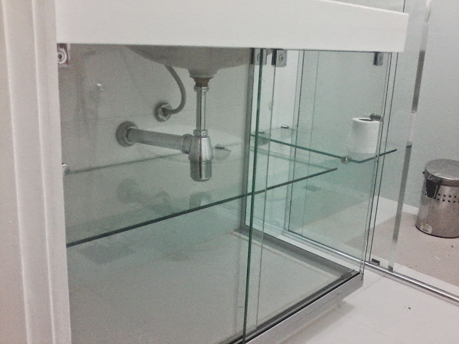 de pia em vidro temperado Villagge Vidros Vidros Temperados Blindex #4F605B 1600x1200 Banheiro De Blindex