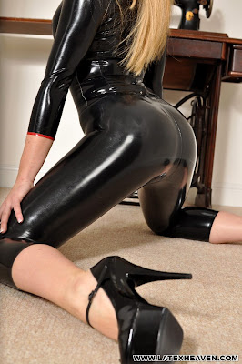 Ami Hannah Perfect Latex Clad Body Black Shiny and Blonde