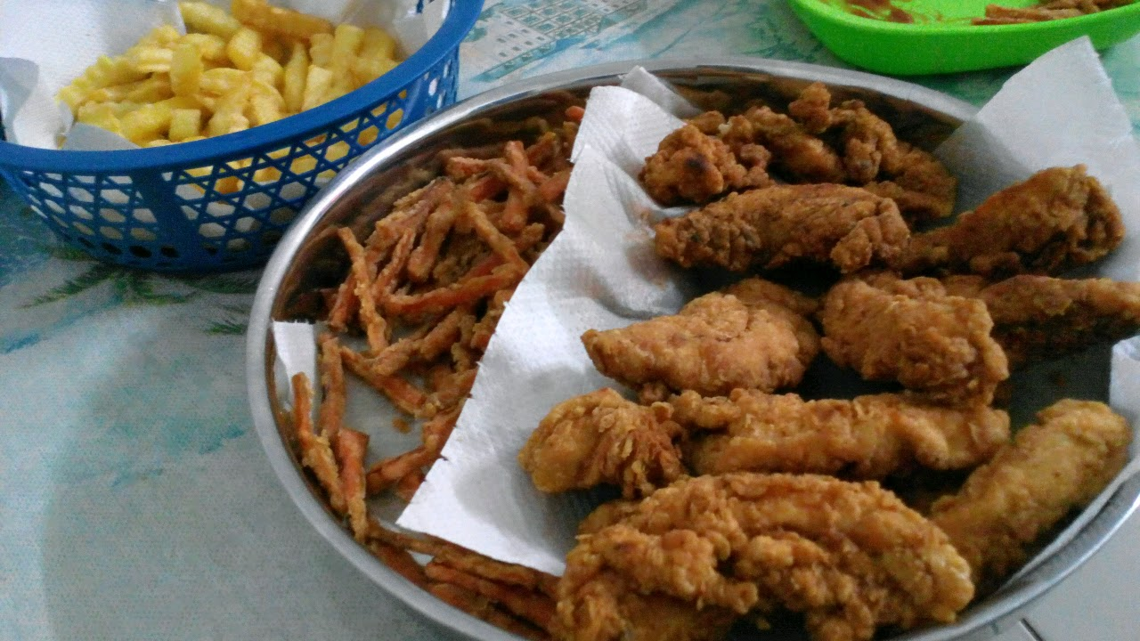 Ayam salut tepung plus carrot fries