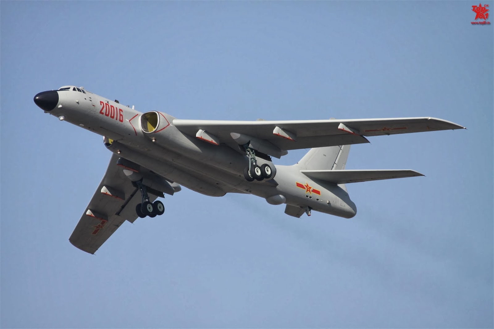 China Defense Blog: Photos of the day: J-16 fighter/bomber ...
