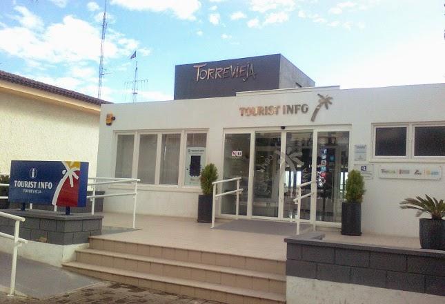 uusi costa blanca turisteja palvellaan torreviejassa