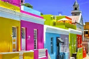 Penentuan warna mempunyai peran yang utama dalam memberi kenyamanan pada rumah anda. Oleh karena itu, baiknya tetapkan warna yang terbaik serta sesuai untuk type rumah.