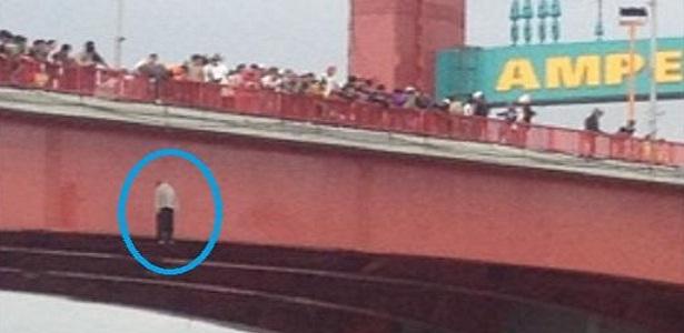 Karena Bangkrut dan Ditinggalkan Istri Muda Si Rozali Nekat Gantung Diri di Jembatan Ampera, Bang Syaiha, http://bang-syaiha.blogspot.co.id/
